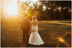 Sunset bride and groom wedding photos. www.janelleelise.com