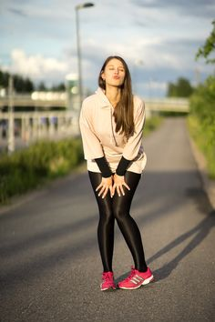 Funny sporty - mypantyhosegirl ladies in 2019 колготки Pantyhose Outfits, Black Pantyhose, Black Tights, Nylons, Shiny Leggings, Tight Leggings, Lycra Leggings, Jockey Costume, Fashion Tights