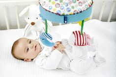 Games for babies aged 0 to 3 months Glove Puppets, Cot Mobile, Grandma And Grandpa, Tummy Time, Baby Games, Feeling Happy, Our Baby, 3 Months, Kids And Parenting