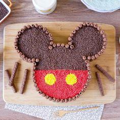 Festa Mickey E Minnie - 3 ans Lenzo - Bolo Mickey Baby, Bolo Do Mickey Mouse, Festa Mickey Baby, Mickey Cakes, Minnie Mouse Cake, Mickey Party, Mickey Mouse Birthday Theme, Leo Birthday, Disney Birthday