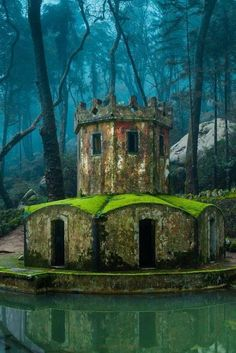 Ancient ducks house in the park of Pena Palace in Sintra, Portugal. UNESCO World Heritage Site and one of the Seven Wonders of Portugal Places To Travel, Places To See, Travel Destinations, Voyage Europe, Spain And Portugal, Portugal Trip, Historical Sites, Abandoned Places, Belle Photo