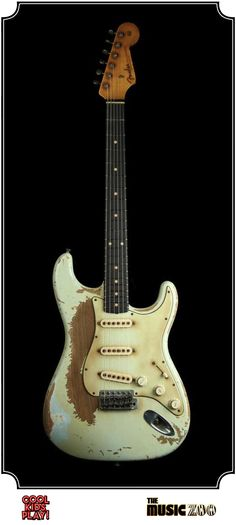 Fender Ultimate Relic : 62 Stratocaster Masterbuilt by John Cruz for The Music Zoo. Relic'd Faded Sonic Blue