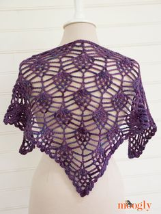 Berry Harvest Bandana Cowl - free #crochet pattern on Moogly!