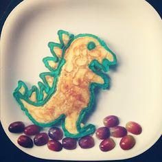 Buggie and Jellybean: dino Pancake Art Toddler Meals, Kids Meals, Cute Food, Good Food, Foster Kids, Pancake Art, Breakfast For Kids, Jelly Beans, Creative Food