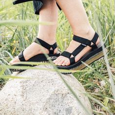 Make your music festival outfit pop from head to sole with this painted Teva Flatforms DIY Project.