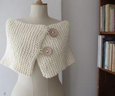 """Fb """"Knitted wrap with big buttons"""", """" This would be perfect to go over formal dresses when it's cold. Or when I'm in New York!"""", """" And just a rectang Crochet Scarves, Crochet Shawl, Crochet Clothes, Knit Crochet, Knitted Capelet, Knit Shrug, Loom Patterns, Knitting Patterns, Knit Patterns"""