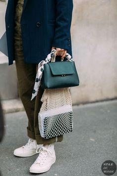 Fashion photography street style shoes Ideas for 2019 Street Looks, Look Street Style, Street Chic, Paris Street, Gucci Kids, Tote Bags, Fashion Bags, Fashion Accessories, Fashion Handbags