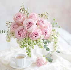 Beautiful Bouquet Of Flowers, Beautiful Flower Arrangements, My Flower, Fresh Flowers, Floral Arrangements, Beautiful Flowers, Wedding Flowers, Flower Boxes, Pink Roses