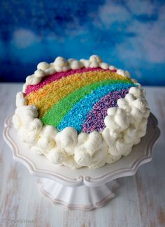 Let's make rainbow cakes! My Favorite Color, My Favorite Things, Over The Rainbow, Cake Decorating, Bakery, Good Food, Birthdays, Happy Birthday, Flora