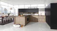 #Alno #Design #keukens #ALNOSTAR SMARTLINE/ALNOSTAR PURE #Rustiek of puristisch modern: de #harmonieuze structuur van hout haalt de natuur in huis en zorgt voor #huiselijke charme. Een trend die ook door het elegante #houtdecor 'Sanremo eiken' in geborstelde optiek wordt opgepakt. Daarnaast onderstreept een horizontale frontrand het robuuste uiterlijk met een elegant kops #hout-decor. Meer informatie over #Alno of #design #keukens?…