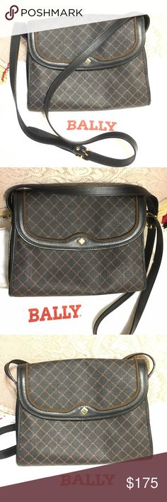 """💕Black Leather Bodybag Made in Italy Genuine and vintage Bally bodybag. In great condition. Perfect size and shows it's expensive quality. Measures 10"""" x 8"""" and strap measures 22"""" long. Bally Bags Crossbody Bags"""