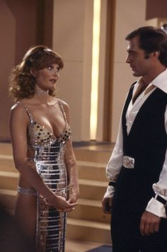 "Pamela Susan Shoop ""Tangie"" and Gil Gerard ""Buck Rogers"" -- Buck Rogers in the Century ""Vegas in Space"" Sci Fi Tv Series, Sci Fi Tv Shows, Buck Rodgers, Erin Gray, Pin Up, Manequin, Classic Sci Fi, Vintage Tv, Sci Fi Movies"