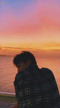 Exo Kai, Baekhyun, Funny Instagram Captions, Selfie Captions, Kaisoo, Exo Ot12, Sekai Exo, Bts K Pop, Exo Lockscreen