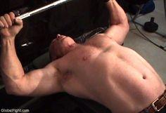 irish musclebear daddy bench pressing video