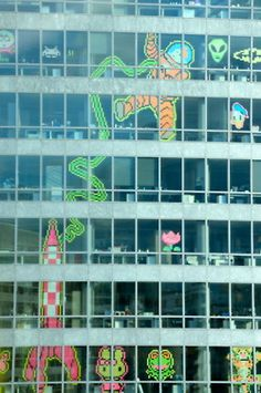 Post it art on a grand scale!