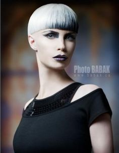 Babak.cahair por Antonio Quintieri...I don't like the cut, but I love the color!