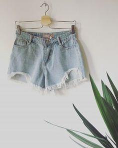 3aee5131dfa027 Jeansowe shorty strzępione na dole, krótkie spodenki z wysokim stanem