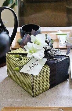 Gift wrapped by Wakana Nakao.