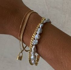 Cute Jewelry, Gold Jewelry, Jewelry Accessories, Fashion Accessories, Fashion Jewelry, Pearl Jewelry, Accesorios Casual, Schmuck Design, Anklets