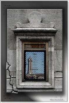 zum Fenster hinaus http://fc-foto.de/37398645