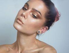 WEBSTA @ lindahallbergs - Golden glow! For more visit my blog  lindahallberg.com #fotd #makeup