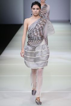 Giorgio Armani Spring 2015 Ready-to-Wear - Collection - Gallery Style.com