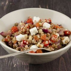 Buckwheat salad with roasted pepper, radishes and feta Buckwheat Salad, Buckwheat Recipes, Clean Recipes, Veggie Recipes, Cooking Recipes, Vegetarian Cooking, Vegetarian Recipes, Healthy Recipes, Slow Food