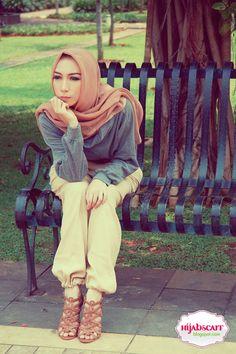 Style Spotted : Mrs. Lulu & Ms. Nauli   Hijab Scarf