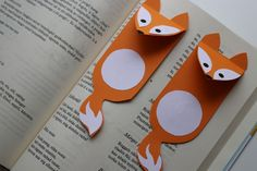 Rókakoma könyvjelző – letölthető sablonnal K Crafts, Burlap Crafts, Crafts For Kids, Craft Projects, Arts And Crafts, Paper Crafts, Origami Bookmark Corner, Forest Animals, Classroom Themes