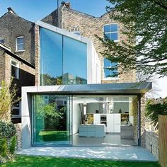 Contemporary Extension to a Victorian Home by Robert Dye #robertdye #london #victorian #contemporary #house #home #residence #architecture #design #extension
