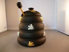 WEDGWOOD HONEY POT IN BLACK JASPERWARE