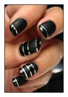 Gleaming Nail Arts in Black and Silver