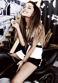 Ariana is beautiful. have a crush on her even if i prefer boys, how can somebody not love her