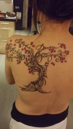 Feminine family tree tattoo tat 28 trendy ideas - My list of the most creative tattoo models Tree Sleeve Tattoo, Back Tattoo, Sleeve Tattoos, Body Art Tattoos, New Tattoos, Small Tattoos, Tatoos, Tattoo Ink, Family Tattoo Designs