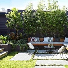 Large backyard landscaping ideas are quite many. However, for you to achieve the best landscaping for a large backyard you need to have a good design. Small Courtyard Gardens, Small Courtyards, Back Gardens, Small Gardens, Outdoor Gardens, Courtyard Ideas, Courtyard Design, City Gardens, Terrace Ideas