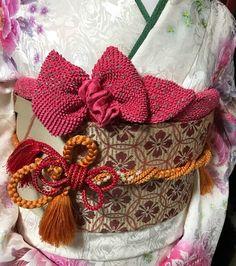 創作帯結び 「ブーケ」 ( その他デザイン ) - ブライダル専門美容師のこだわり仕事 - Yahoo!ブログ Japanese Kimono, Japanese Girl, Apricot Blossom, Boys Day, Wedding Kimono, Sash Belts, Folk Costume, Traditional Outfits, Fall