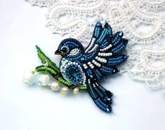 Gorgeous Beaded Bird-shaped Brooch
