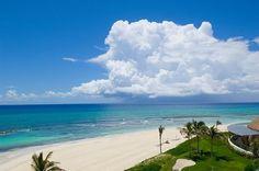 Случалось ли вам испытать удовольствие от наслаждения бирюзой океана, теплом белого песка и прохладой морского бриза на пляже Гранд Велас Ривьера-Майя? http://rivieramaya.grandvelas.com/russian/