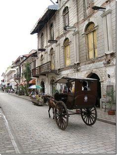 Ancestral houses in Vigan, Ilocos Sur, Philippines. Filipino Architecture, Philippine Architecture, Colonial Architecture, Vigan Philippines, Philippines Travel, Philippine Houses, Ilocos, Philippines Culture, Visayas