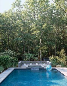 Google Image Result for http://www.housebeautiful.com/cm/housebeautiful/images/1-heincozzi-pool-xlg.jpg