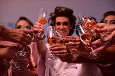 Fotos de casamento brinde da noiva e das madrinhas - Foto: Estúdio Maria Célia Siqueira