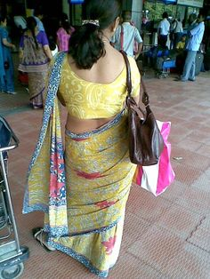 Tamil Aunties Hot Back side View