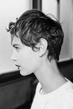 Beliebte Pixie Frisuren für Diese Tage //  #Beliebte #Diese #Frisuren #für #Pixie #Tage