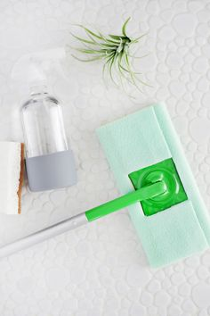 5 Minute Reusable Swiffer Cover DIY (No-Sew!)