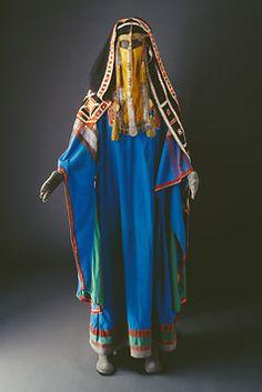 Arab (Saudi?) costume - Love the blue #ethnic textiles