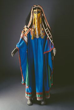 Arab (Saudi?) costume - Love the blue #ethnic textiles