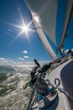 Sailing by Jan Tervooren, via 500px