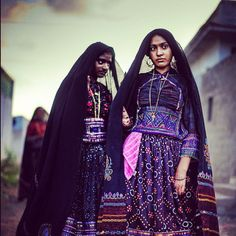 Newly wed brides, Bhuj, Gujarat. by © Poras Chaudhary on Flickr.
