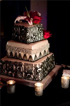 Art Deco Pink Wedding Cake miaettia