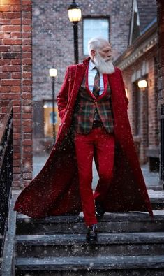 The latest men's fashion including the best basics, classics, stylish eveningwear and casual street style looks. Sharp Dressed Man, Well Dressed, Mode Tartan, Looks Style, My Style, Bon Look, Moda Formal, Advanced Style, Aging Gracefully